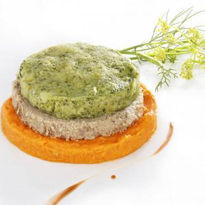 Burger de dinde, mousseline de brocolis et sa purée onctueuse de carottes à la muscade.